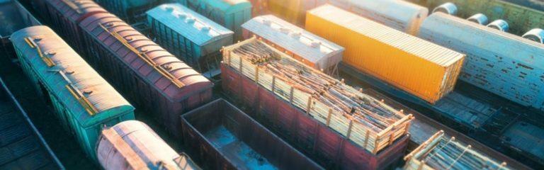 Wartende Werksbahnen auf Gleisen