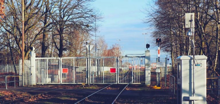 leogistics und RailWatch digitalisieren Gütertransporte